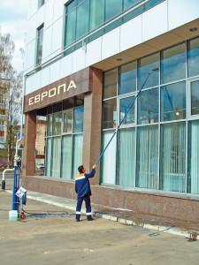 мойка высотных окон фасадов мойка окон и фасадов зданий мойка окон, витрин и фасадов мытье витрин
